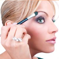 Best Tips for Eyebrow Care and Make Up